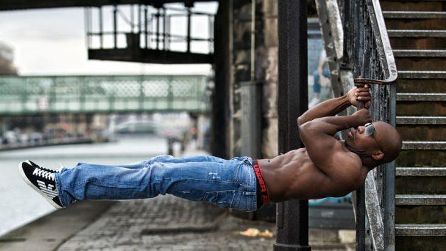 Baouss Costaud  street workout  by photographe thiercelin gilles photographe-bodyfitness.fr