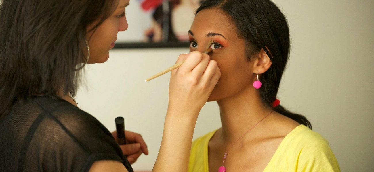 Maquilleuse Professionnelle/ Make Up Artist Esthéticienne